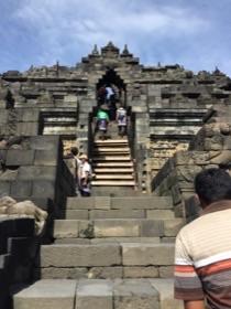 <ガルーダインドネシア利用>専用車で巡るのはバリ王だけ!!世界遺産ボロブドゥール遺跡とプランバナン寺院ツアー