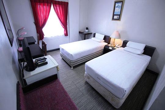 フィリピン航空で行く セブ島!セブシティにあるアットホームなホテル★ホテルエイシア[スタンダードルーム]宿泊