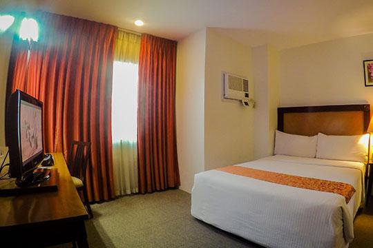 ★学生限定!★フィリピン航空で行く セブ島!セブ文化と取り入れた独特な造りのホテル★シティーパークホテル[スーペリアルーム]宿泊